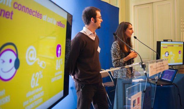 Formation des travailleurs sociaux : l'urgence numérique