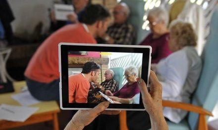 Travailleurs sociaux et médiateurs numériques : le rendez-vous manqué ?