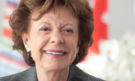 Neelie Kroes «En matière d'e-inclusion, il est temps de sortir des sentiers battus»
